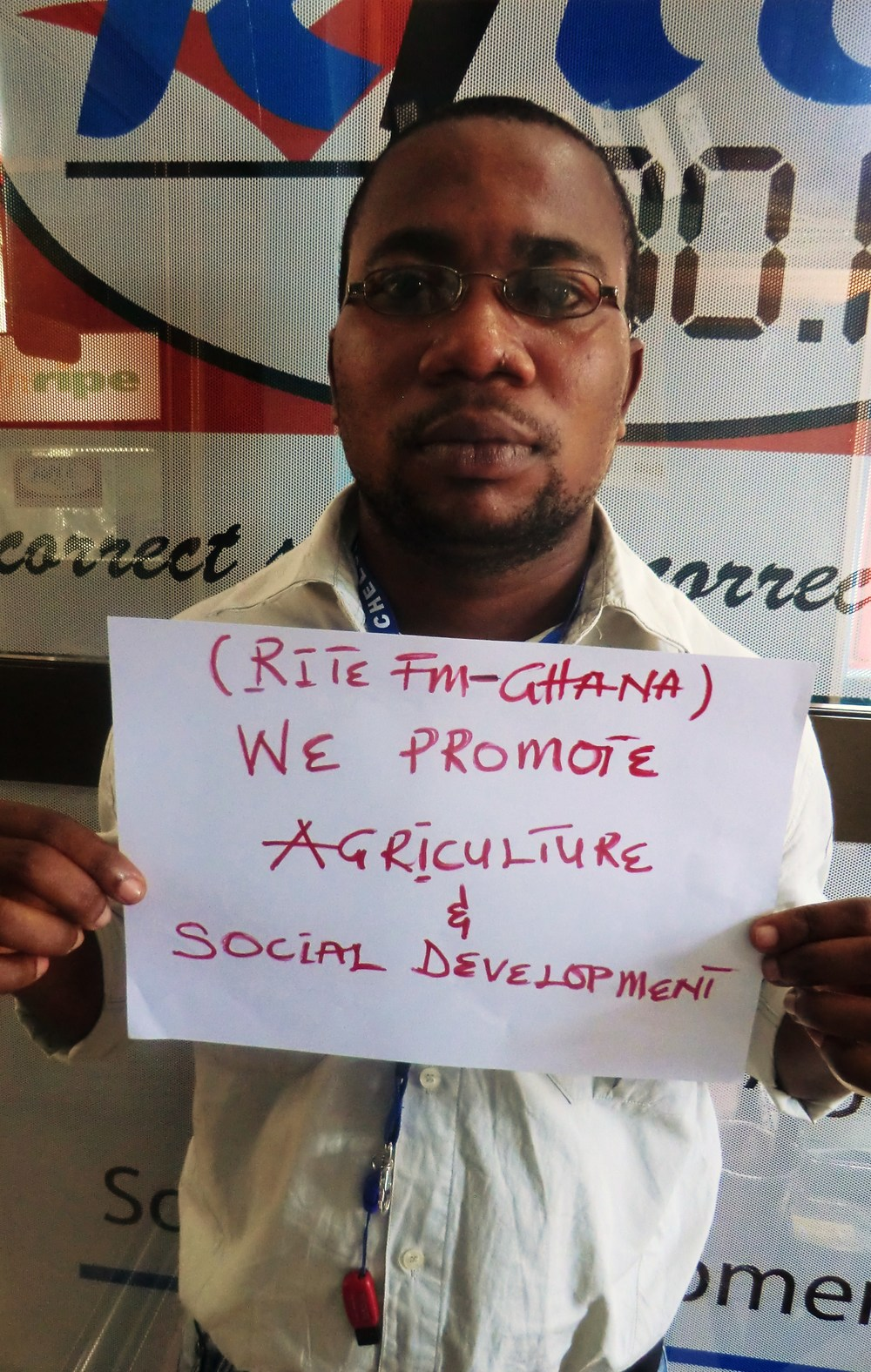 RiteFm: We Promote Agric & Social Development in celebration of FrontlineSMS 7th birthday... send in your photo with what you use FrontlineSMS for.