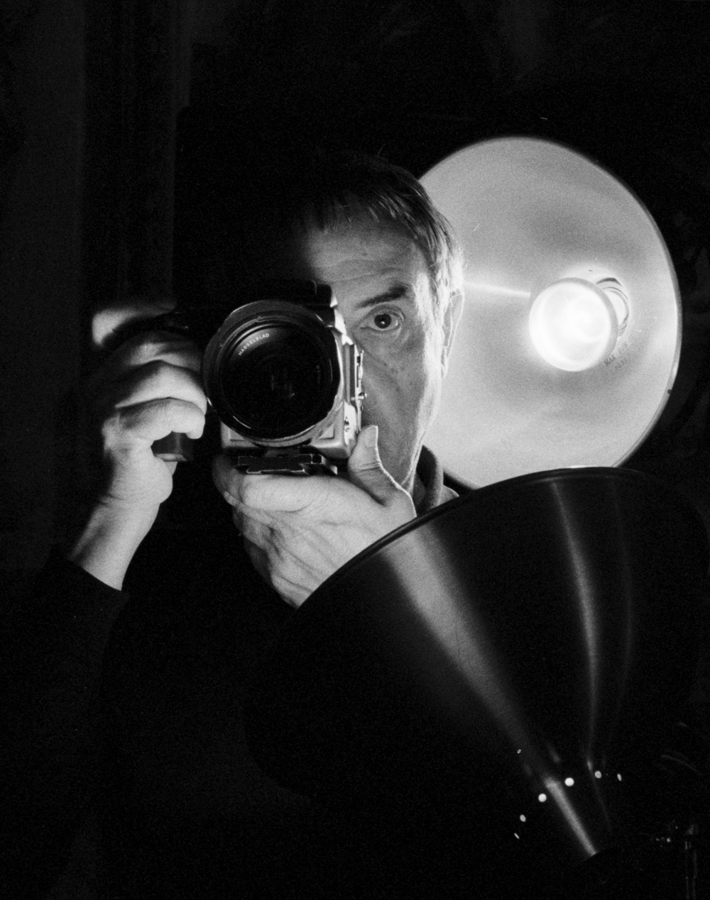 "MANUEL OUTUMURO ""Photographer"""