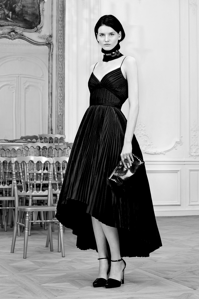 christian-dior-pre-fall-2014-black-pleated-dress.jpg
