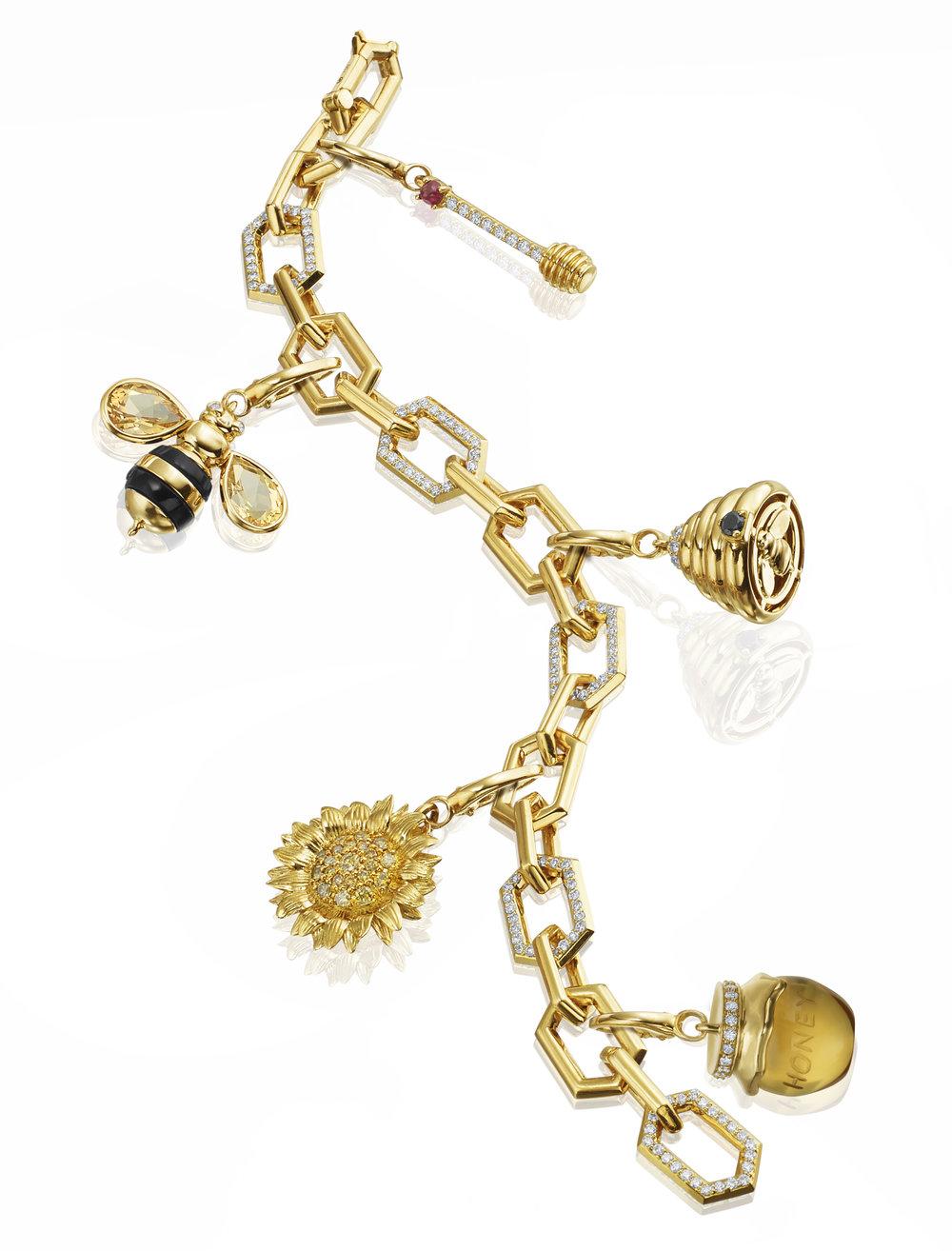 18KY Gold Charm Bracelet