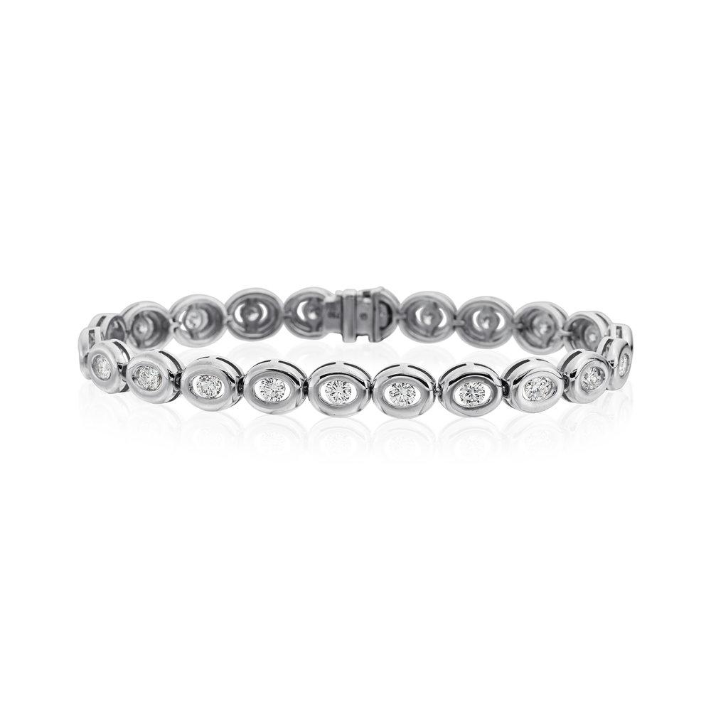 26 Stones, White Gold Bracelet