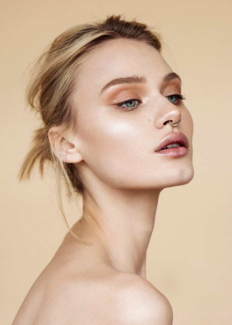 3 Must Try Gorgeous Warm Toned Looks @ acheekylifestyle.com by Val Banderman