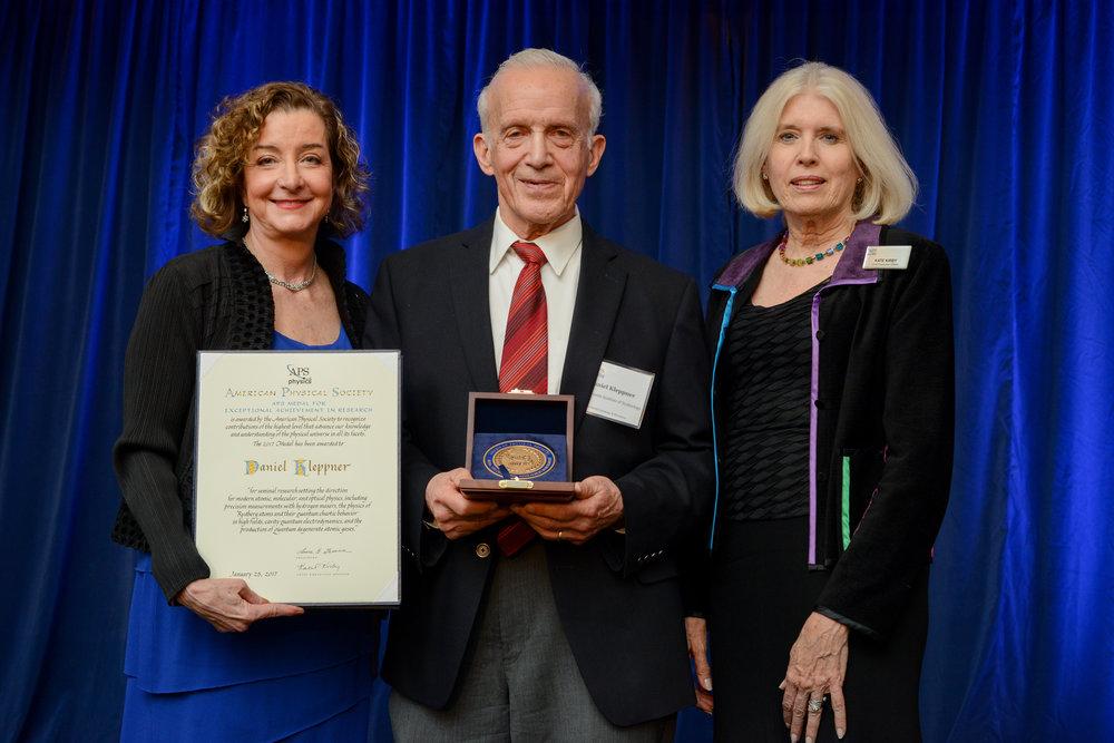 APS Award 2017-081.jpg