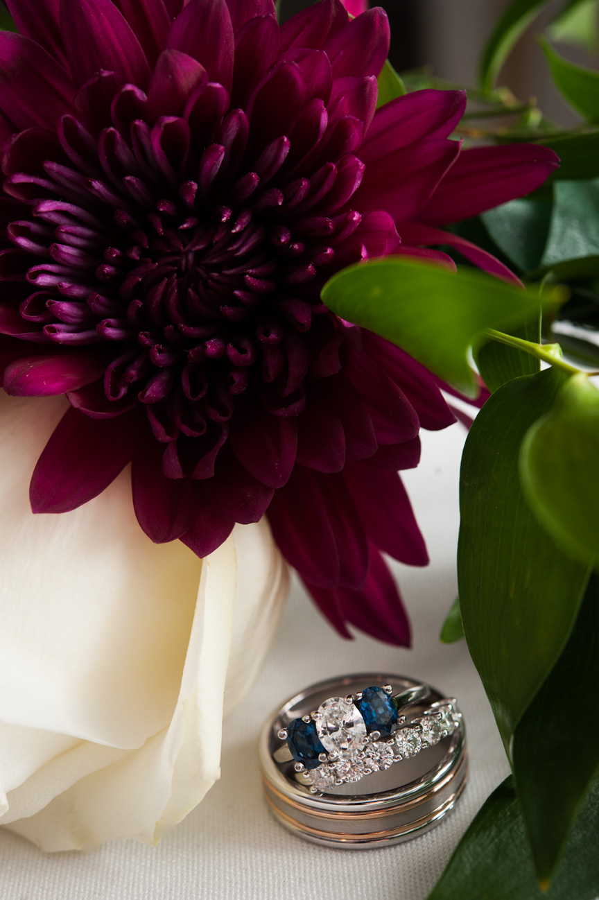 Rings with floral arrangement