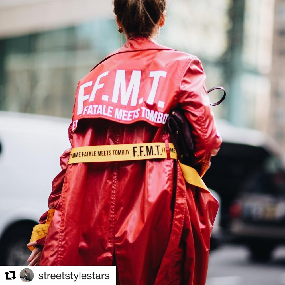 Street Style Stars - Street Style Stars is IG business with 34.5K followers. The page is very impact on fashion field. They captured great photos from Fashion Weeks. Stylist, Veronika is in SS18 F.F.M.T. CHAEnewyork collection.- Red Italian coated silk trench coat with back yoke slogan prints