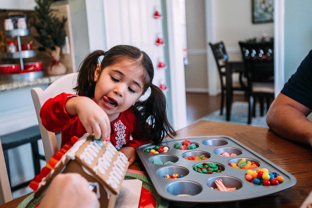 christmas-family-photos-documentary-photographer-banda-family-5529.jpg
