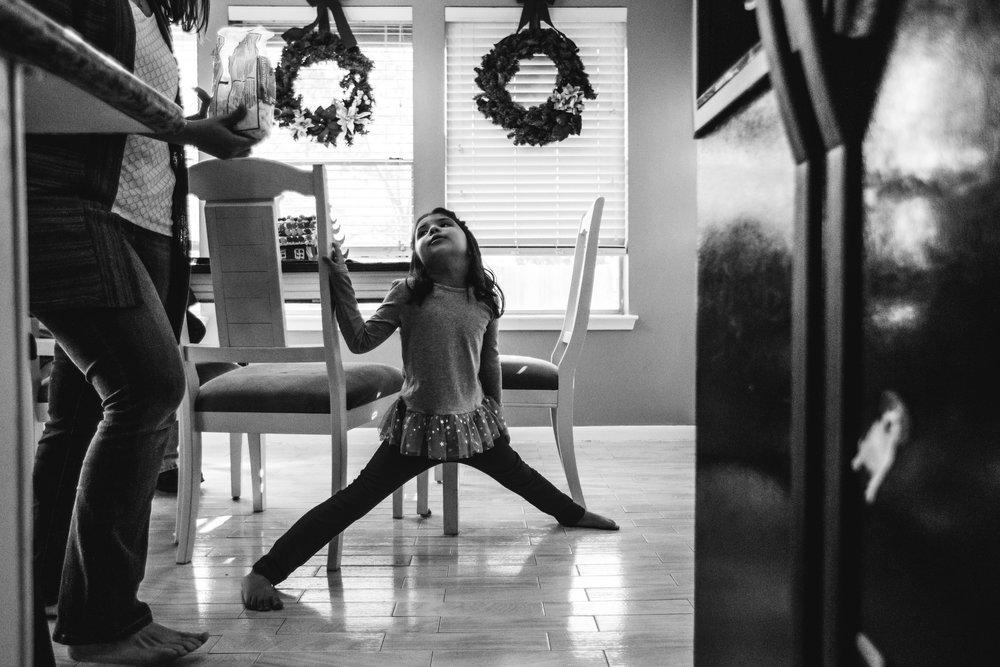 christmas-family-photos-documentary-photographer-banda-family-5677.jpg
