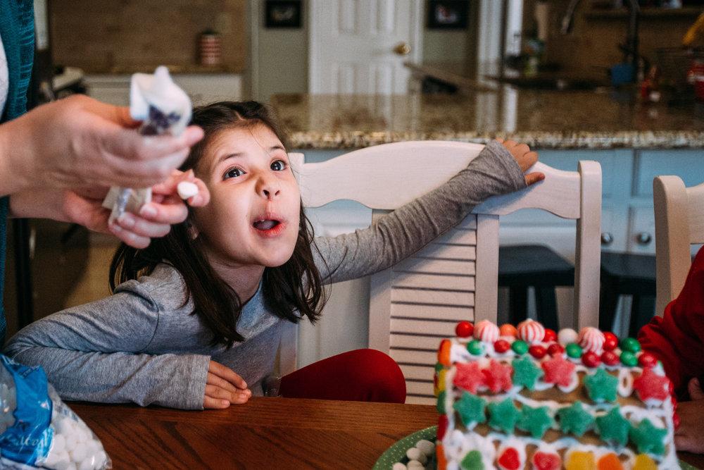 christmas-family-photos-documentary-photographer-banda-family-5707.jpg