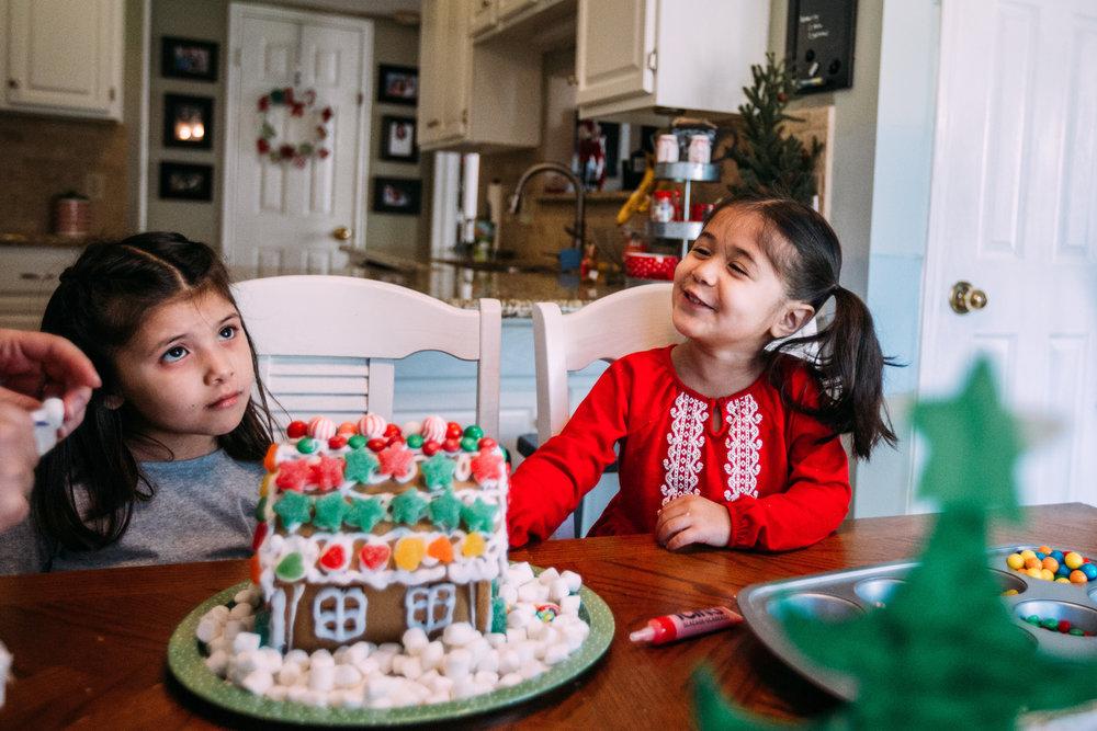 christmas-family-photos-documentary-photographer-banda-family-5710.jpg