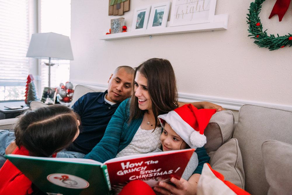 christmas-family-photos-documentary-photographer-banda-family-6629.jpg