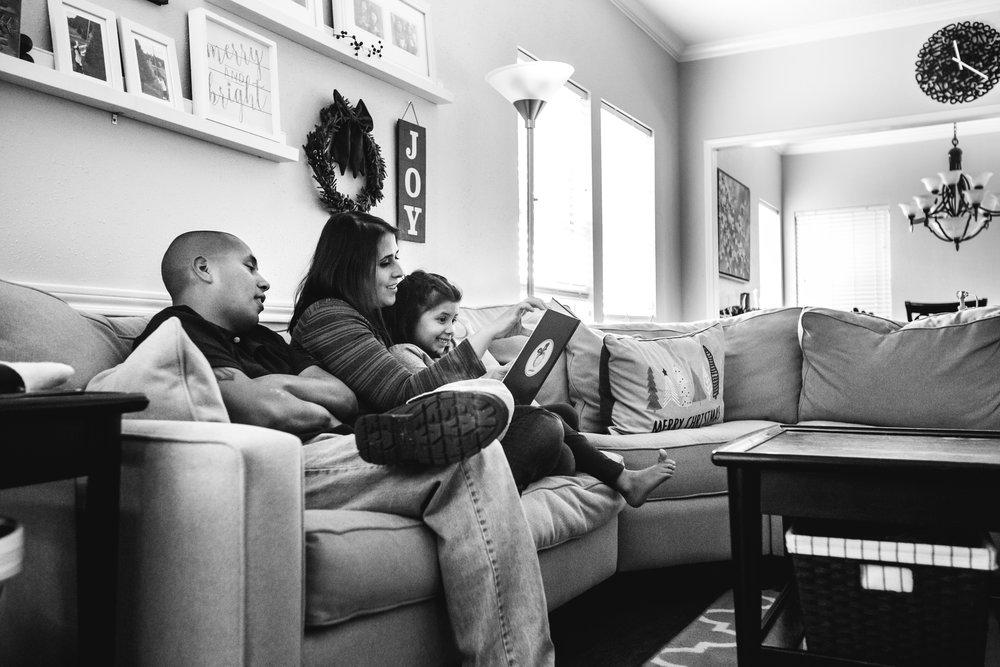 christmas-family-photos-documentary-photographer-banda-family-6682.jpg