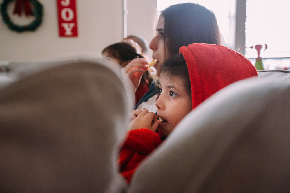 christmas-family-photos-documentary-photographer-banda-family-7254.jpg