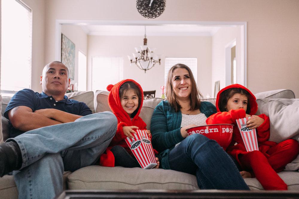 christmas-family-photos-documentary-photographer-banda-family-7189.jpg