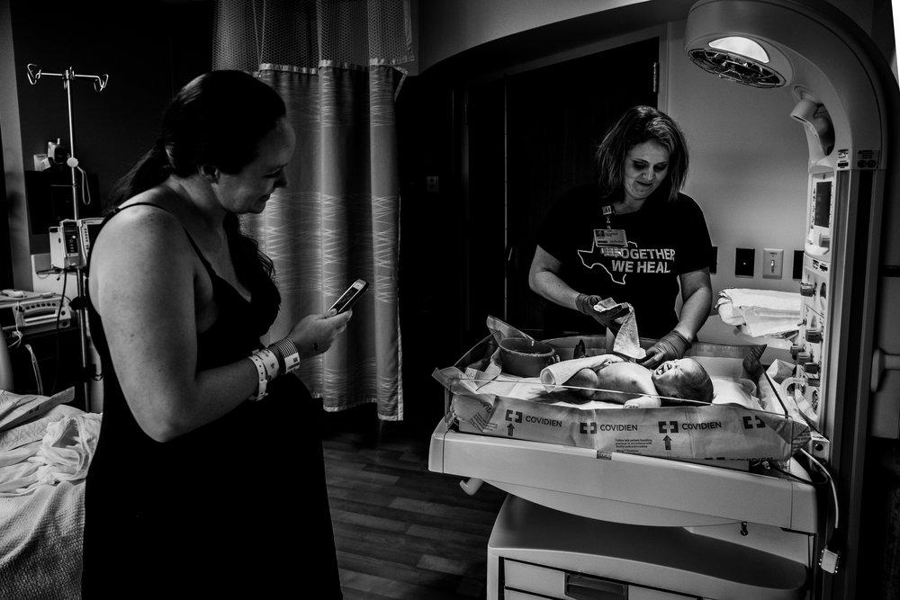 Documentary Family Photographer in Houston - Makenna's Fresh 48-09461.jpg