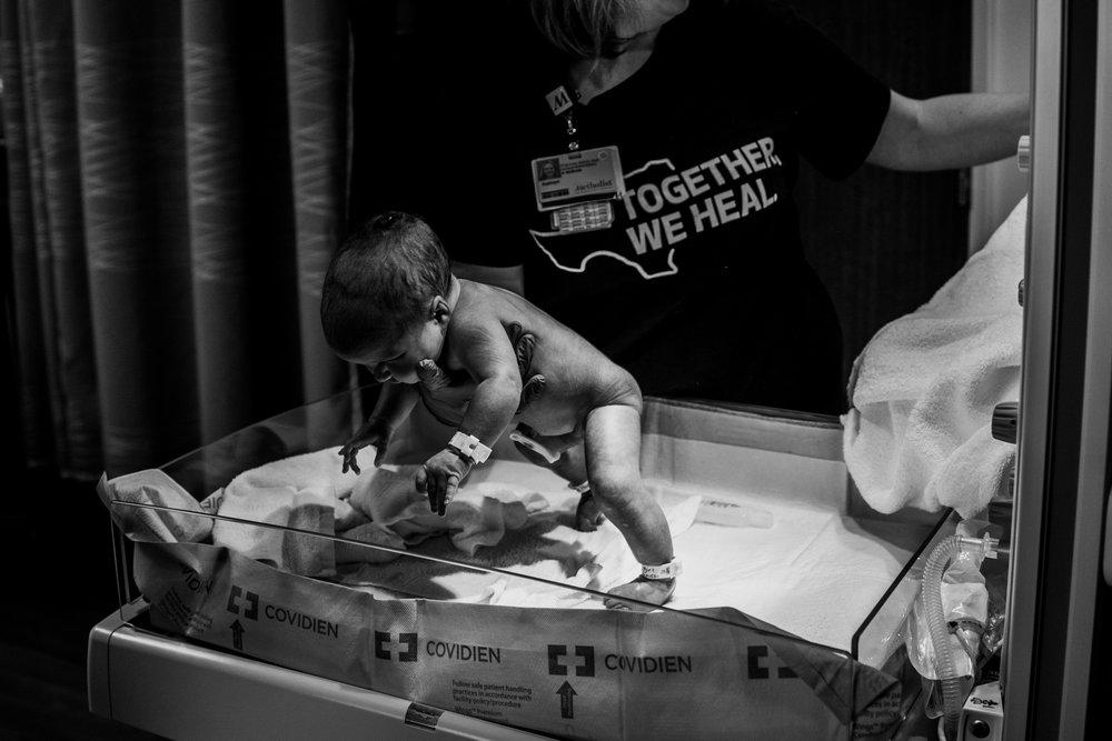 Documentary Family Photographer in Houston - Makenna's Fresh 48-09502.jpg