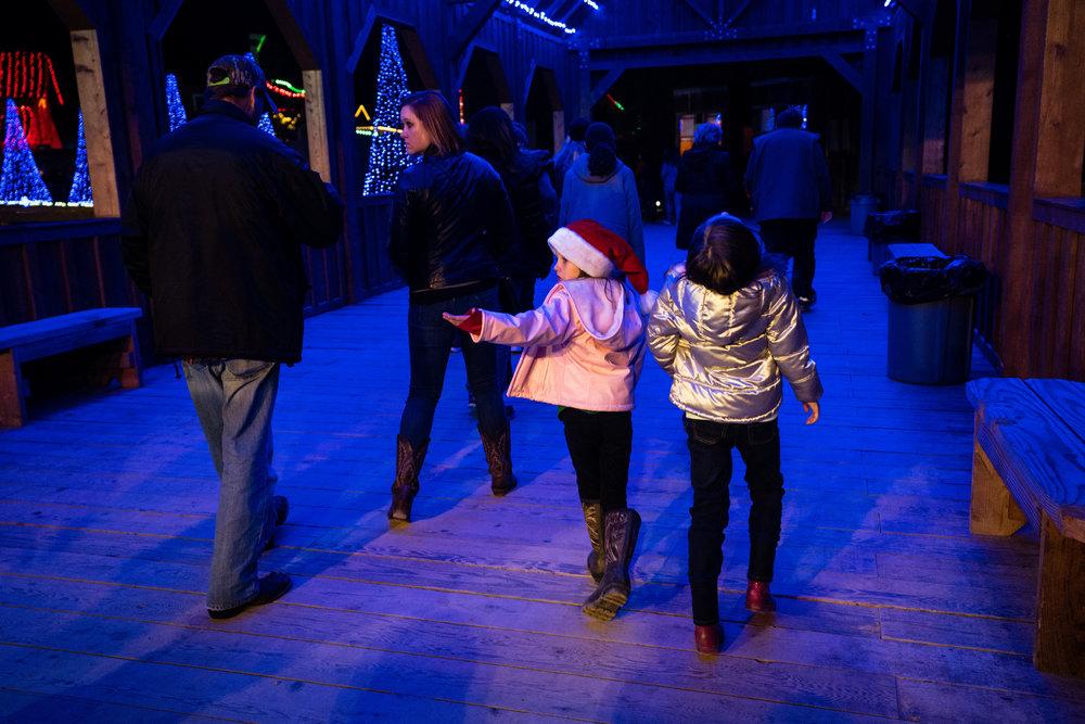 Children enjoying Christmas Lights-1.jpg