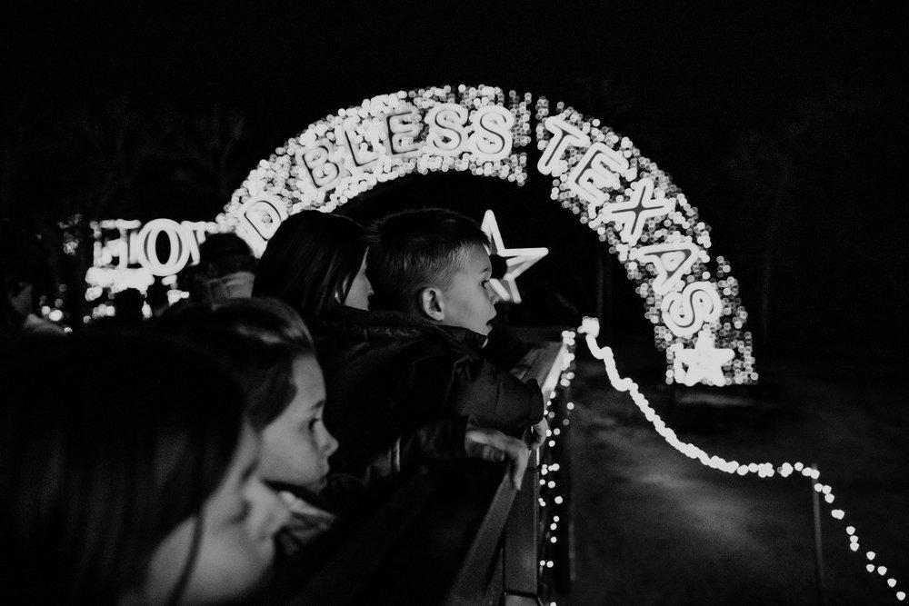 Children enjoying Christmas Lights-8.jpg