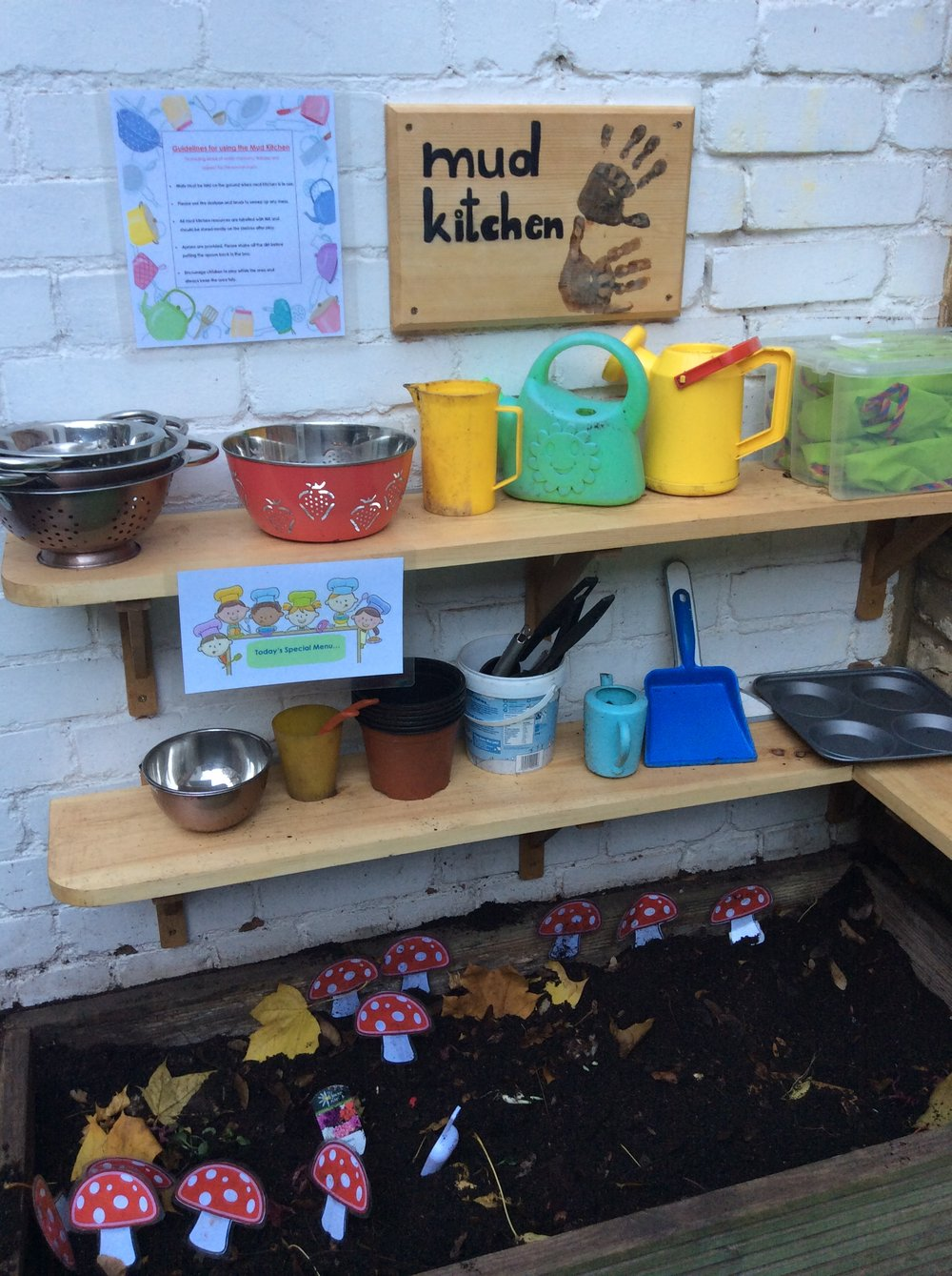 Playing and learning is fun in our mud kitchen