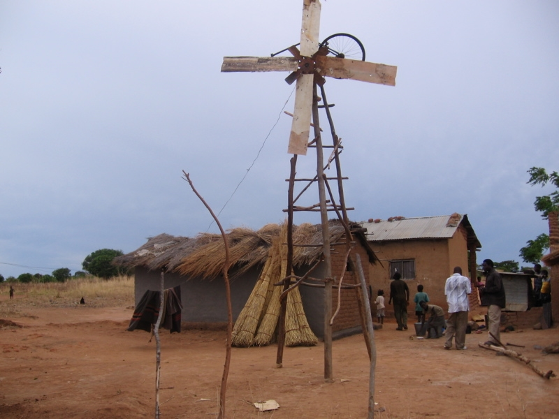 William_Kamkwambas_old_windmill.jpg