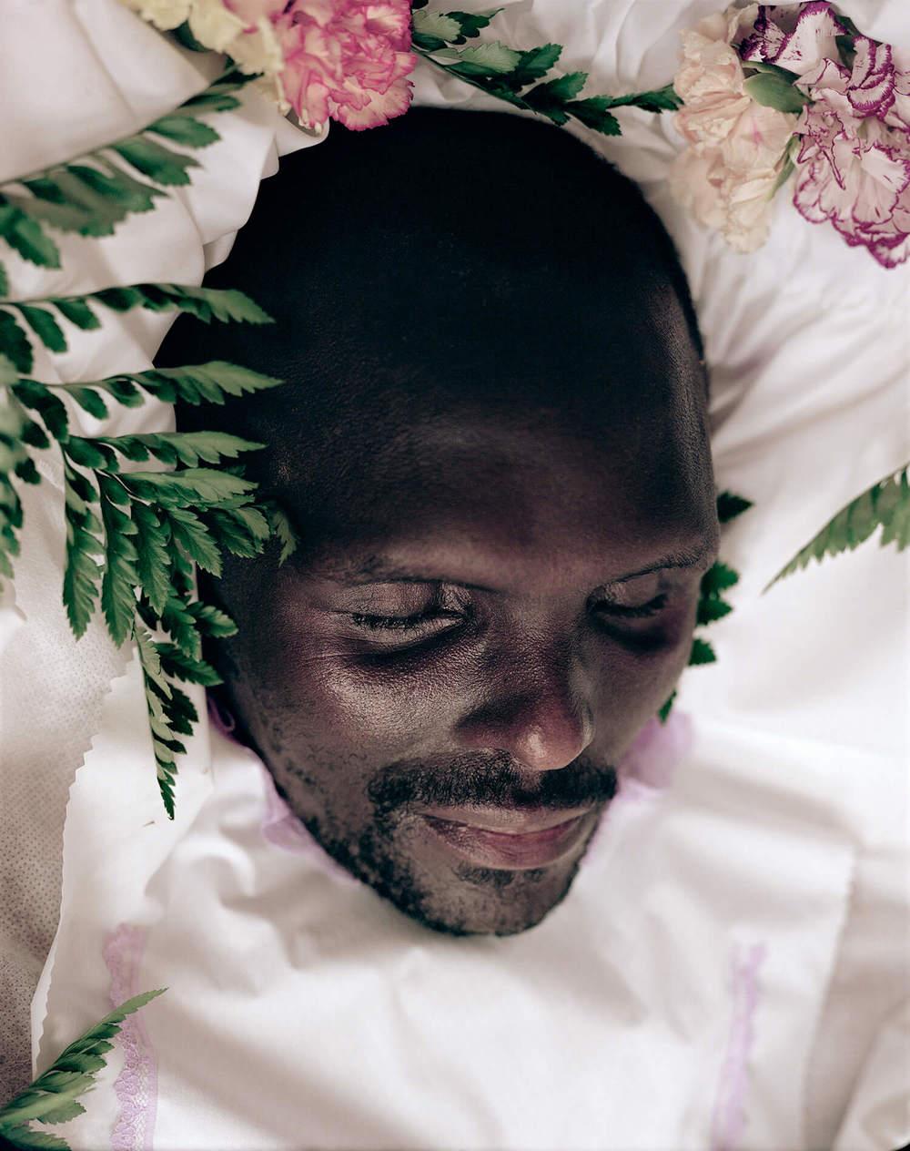 Celias Mafonyelle, S.Africa (c-type print, 30x40-, 2004)