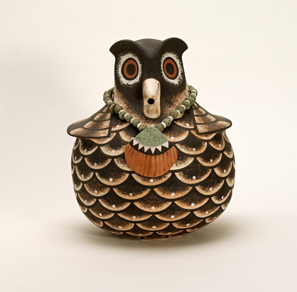 Jaycee Nahohai Owl pot