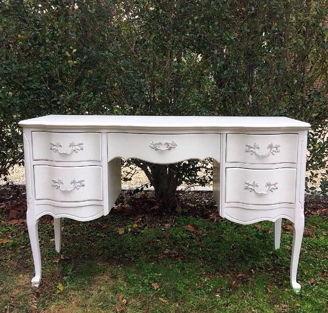 Stella Vanity Table