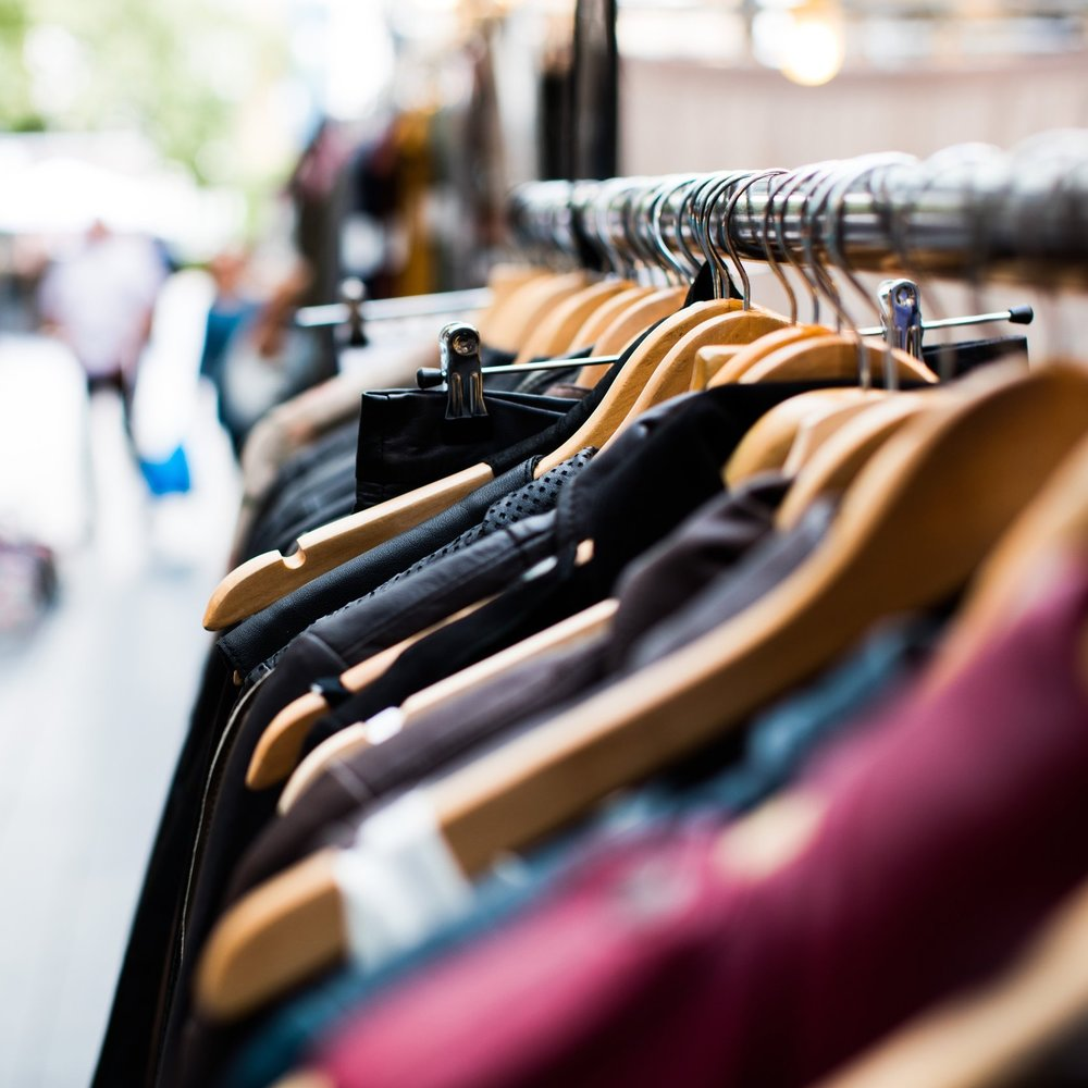 1:1 SHOPPING - Shopping should be an adventure in finding yourself. Bringing an expert along keeps you focused on achieving the results you desire.