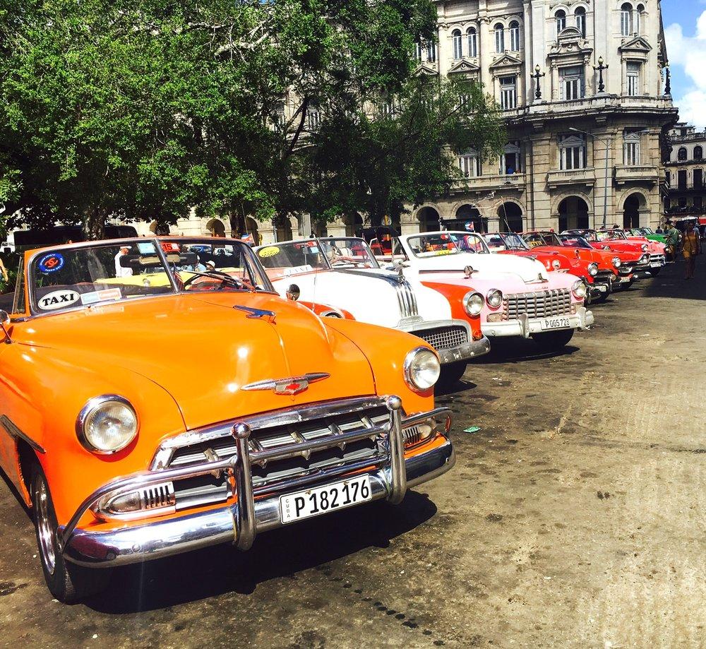 Tracy-Straus-Bija-Beat-Havana-Cuba-Vintage-Cars