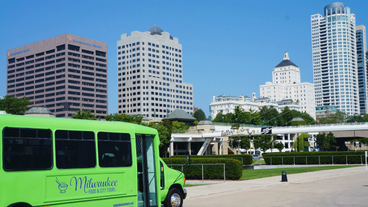 Explore-Milwaukee-Hop-On-Hop-Off-Sightseeing-BusMilwaukee-Food-Tours.png