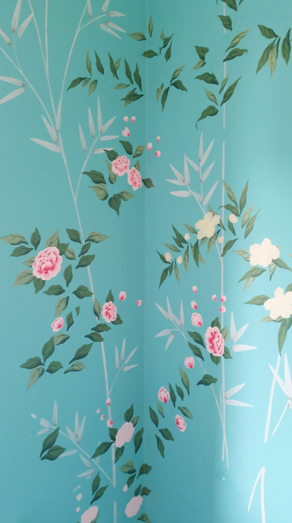Diane Hill painting leaves and flowers chinoiserie design