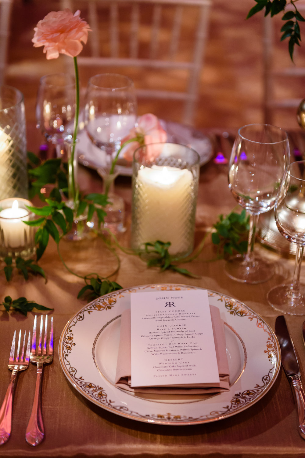 Weylin Wedding: Place setting with gold chargers