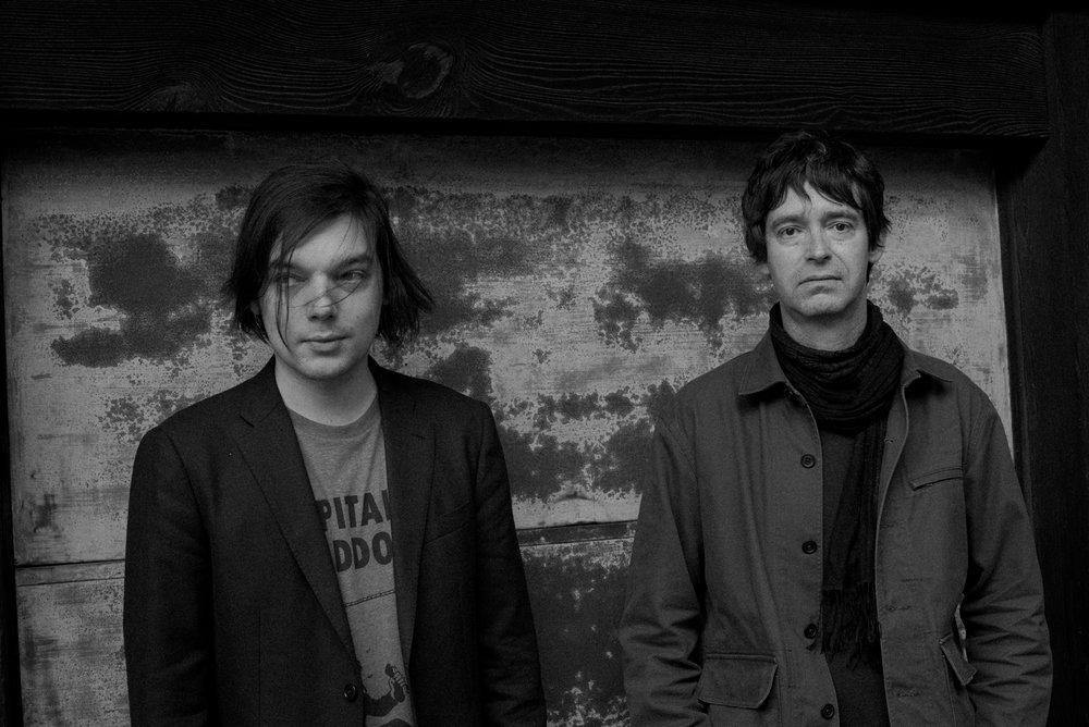 - Lo-shi ゴタル(ギター、サンプル、リズム)とラルーフ(テルミン、口琴)により2012年結成された、フランス人デュオLo-shi。 彼等は力強さと喚情的なサウンドで美しさと不調和を融合し不気味かつアトモスフォリックな音像を表現するインストゥルメンタルユニット。  http://www.lo-shi.org   https://soundcloud.com/lo-shi