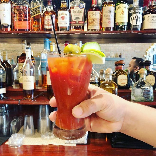 Are you ready for the long weekend? We are thinking about Bloody Mary already. • • • • #weekendbrunch #bloodymary #spicybloodymary #memorialdayweekend #foodie #eatlocal #chicagoeats #irvingpark #albanypark #hqhowardquintero #howardquintero