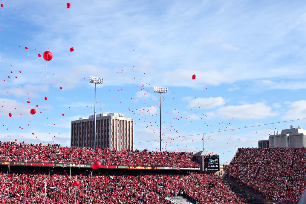 husker-football-pictures-fans