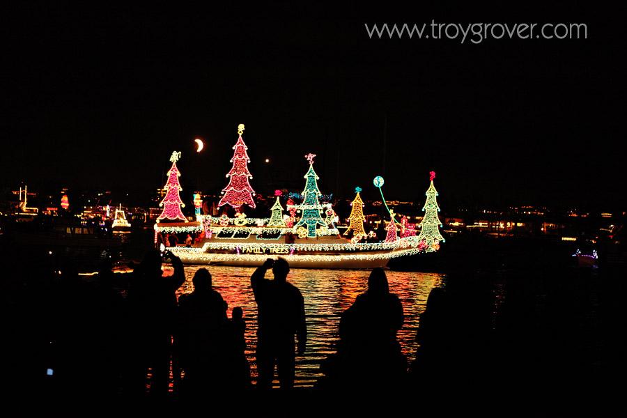 balboa-christmas-boat-parade