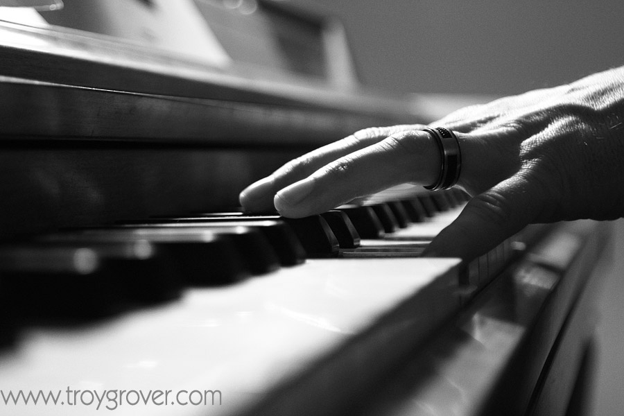 piano-fingers-picture