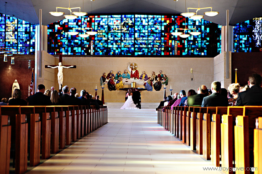 christ-the-king-church-omaha-weddings