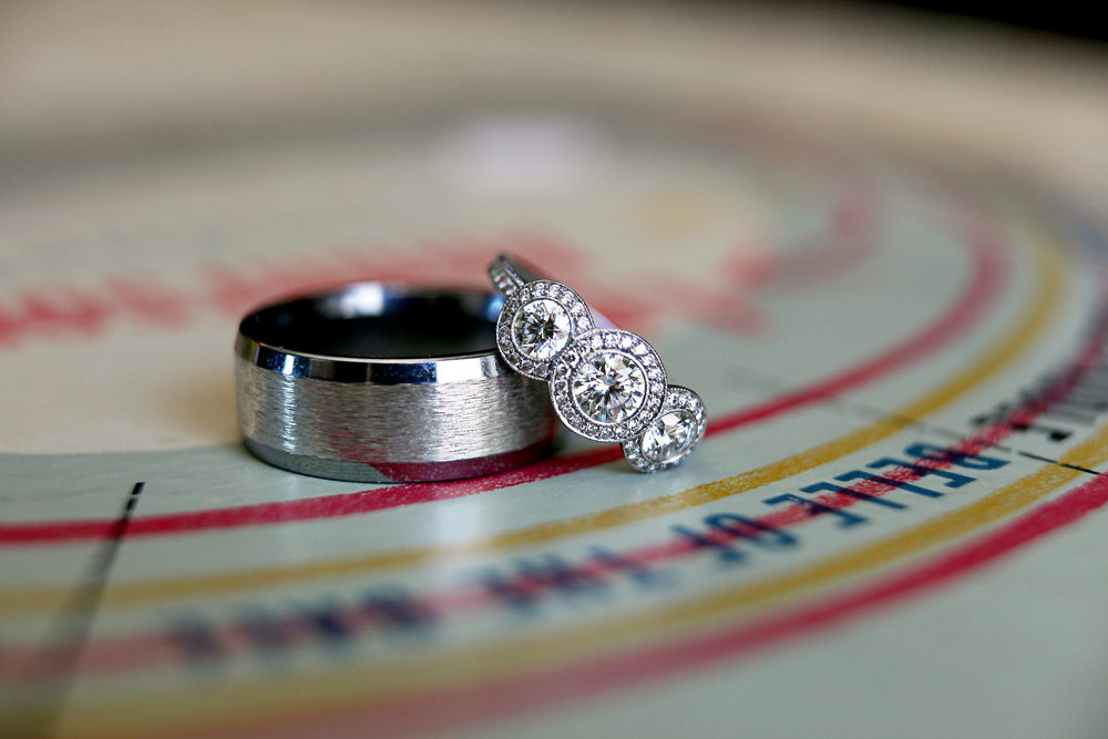wedding-rings-photography