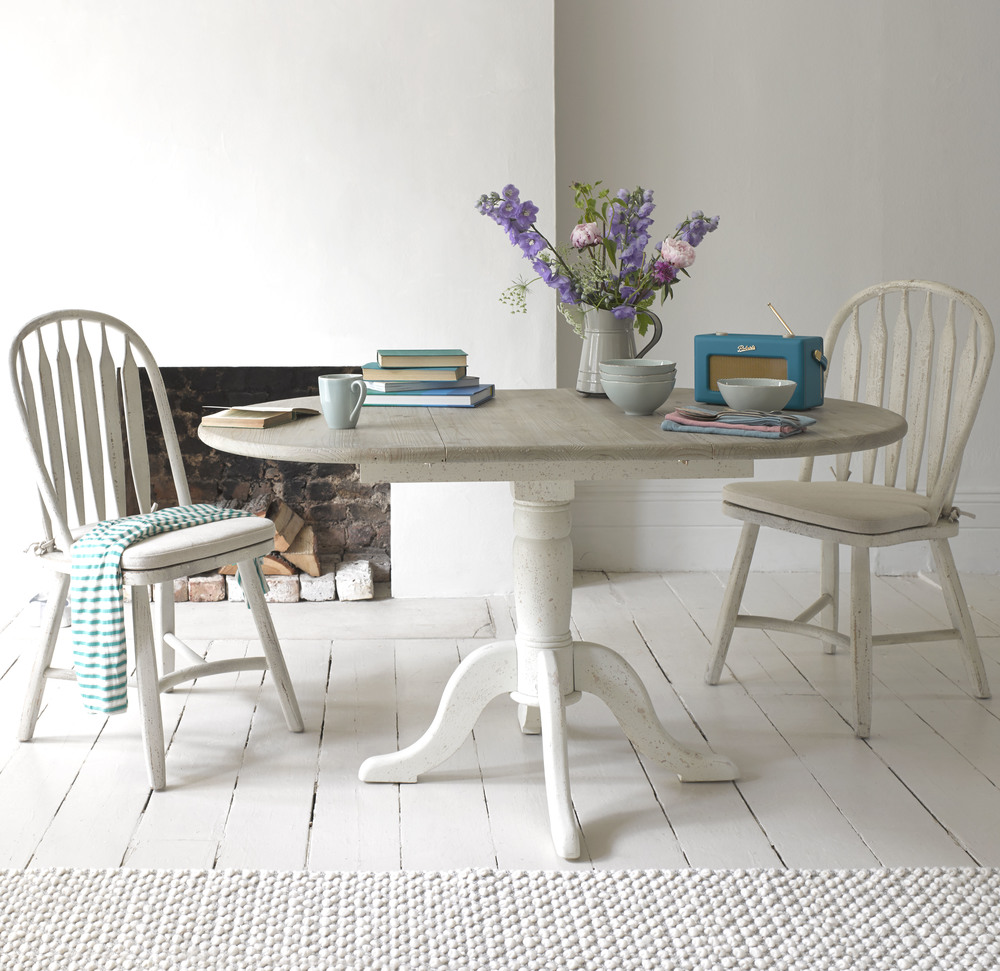Contemporary Country Kitchens: Farmhouse Table