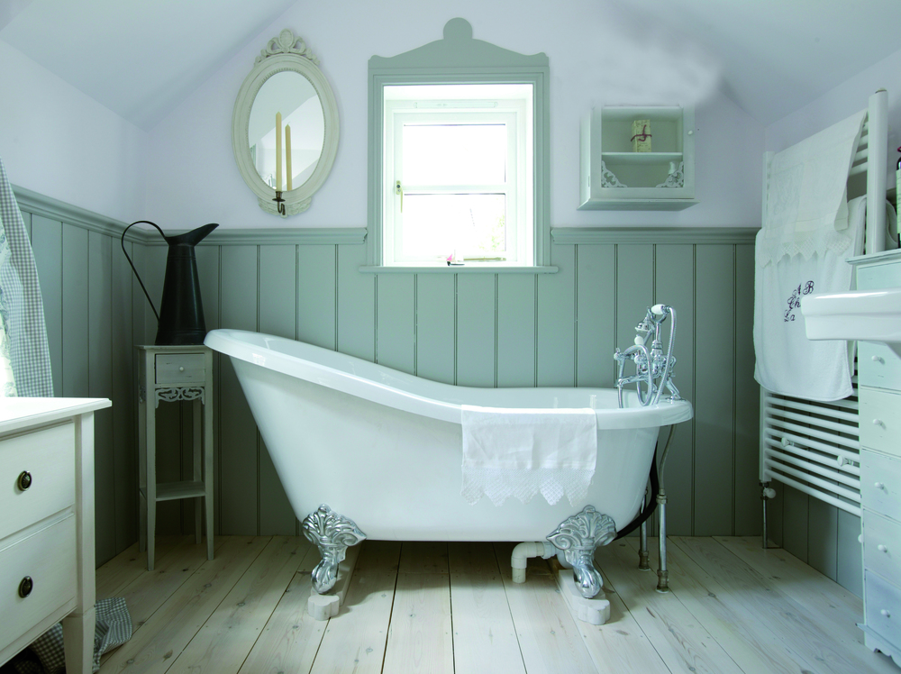 Georgian Wooden Bathroom Panelling for your Country Home