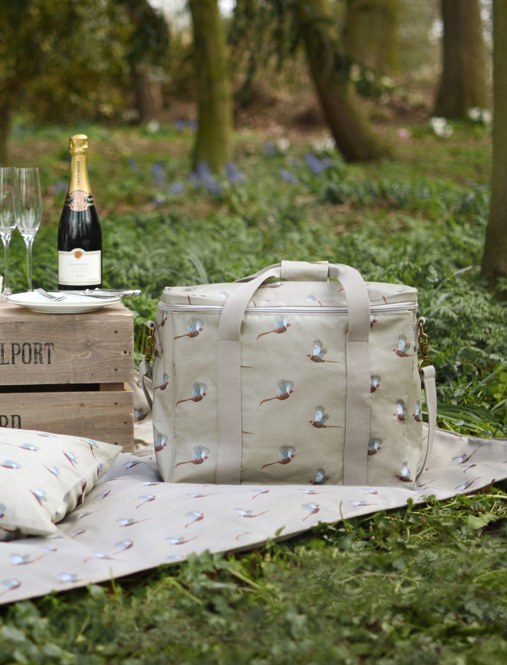 Summer houses for every budget, or that's out of reach, how about a picnic basket and blanket? Cheers!