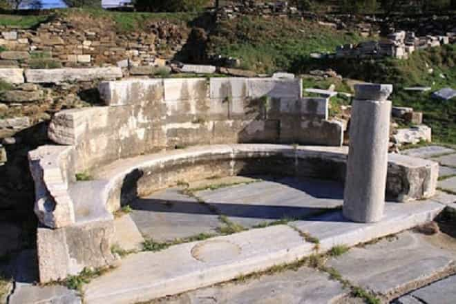 Kionia – the Ancient Temple of Poseidon and Aphitrite -