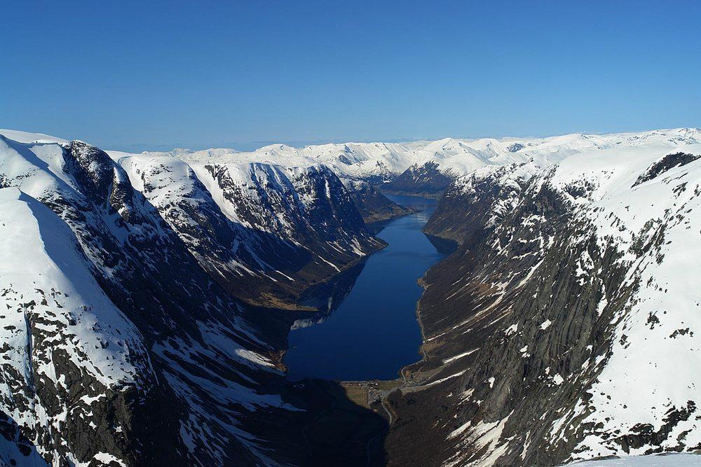 Kjøsnesfjorden frå Tverrfjellet