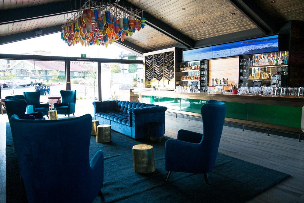 Decoy Dockside Dining in Lake San Marcos Bar Area