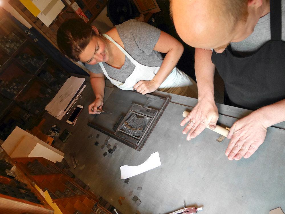 Jens näyttää miten rivinvälit taipuvat –  Jens showing how to bend rules!...