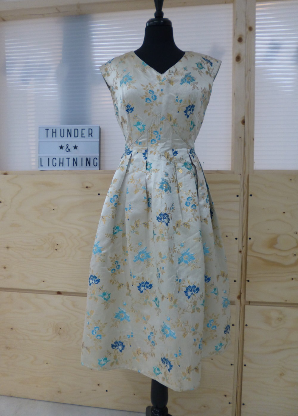 50s Cream Brocade Prom Dress Size 14-16