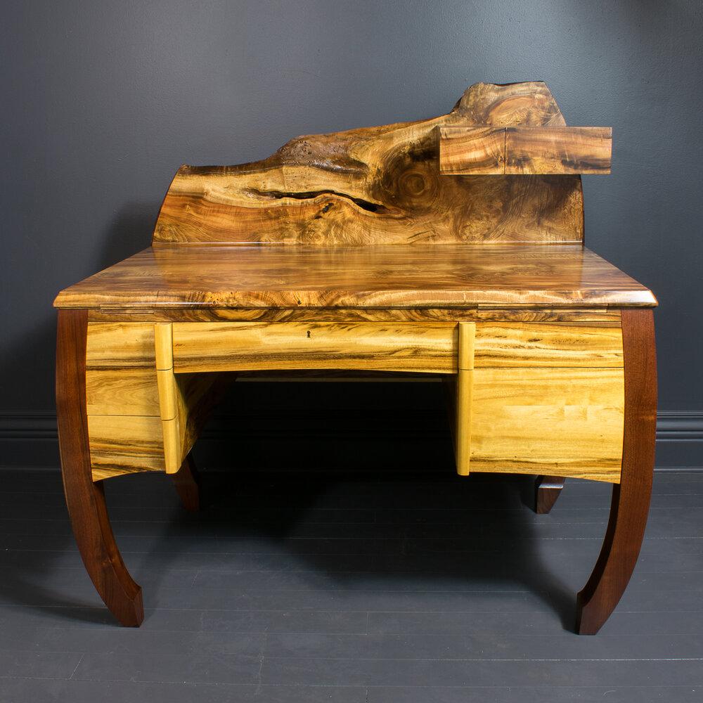 Horizon Hall Table