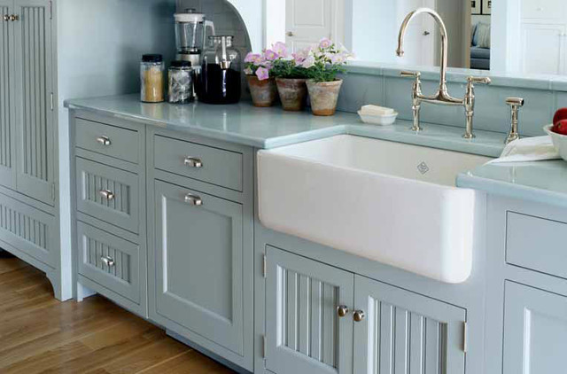 Farmhouse sinks come in a variety of different styles.