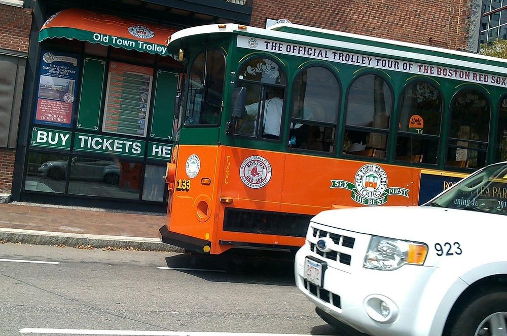 trolley-189994_1280.jpg