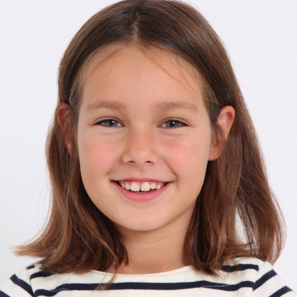 Lara *2011